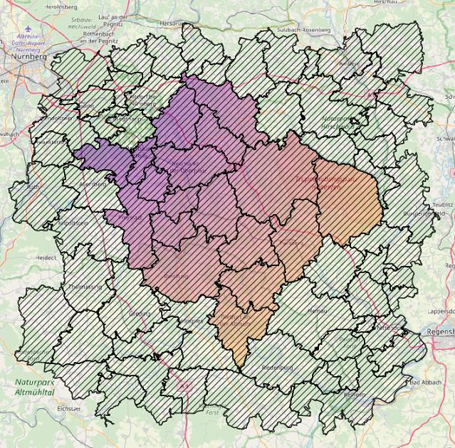 Im ländlichen Neumarkt stimmen die Grenzen von Stimmkreis (farbig) und mehreren PLZ (schraffiert) überein.